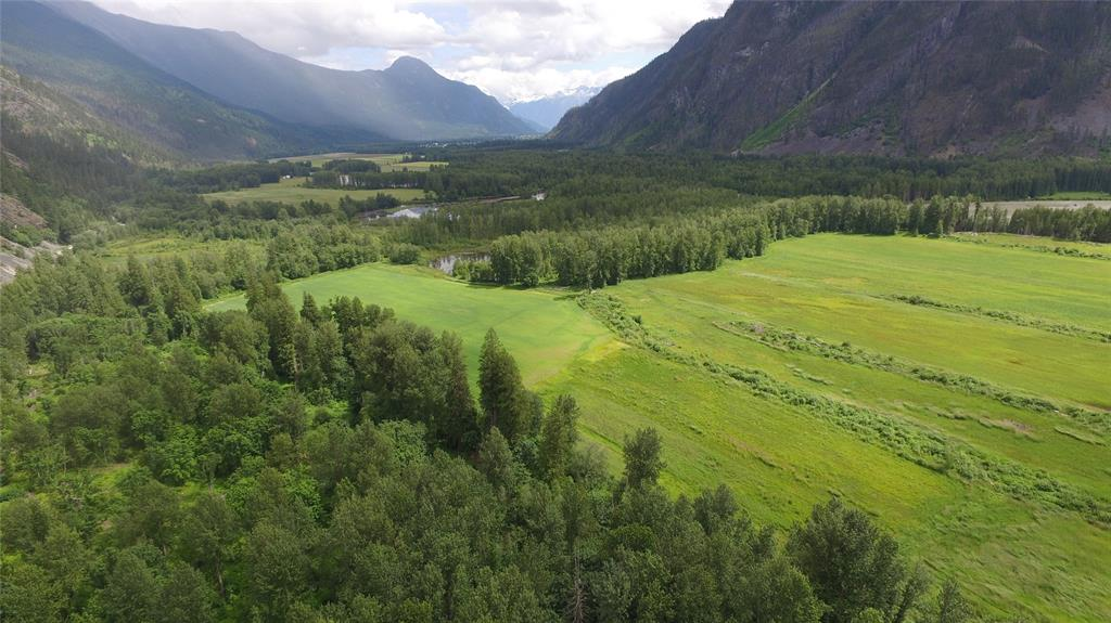 821  Upper Lillooet Forest Service Road, Pemb.Rural/Meadows